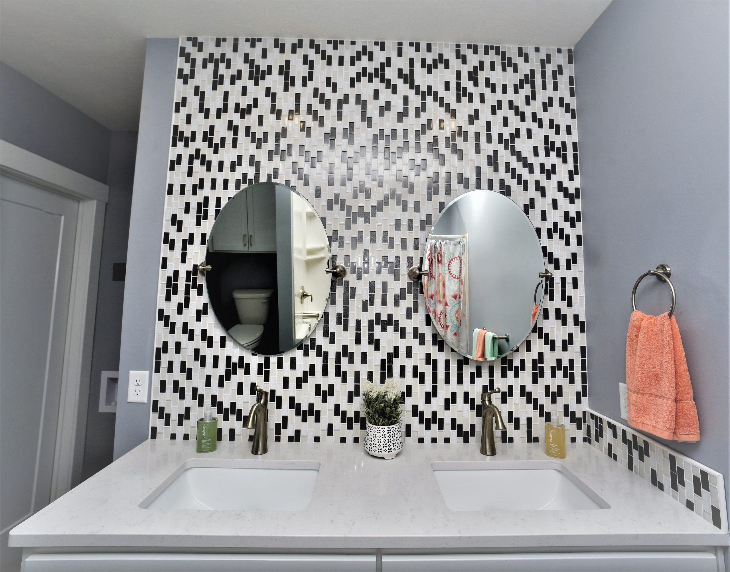 19th Vanity Bath 1